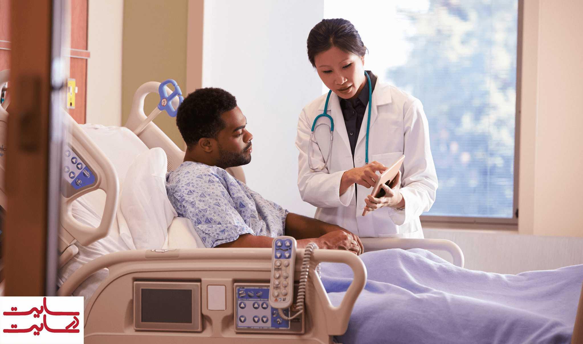 کار کردن پزشک در بیمارستان